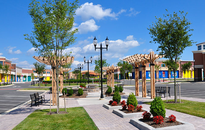 Main_Street_Area_at_Westchester_Commons